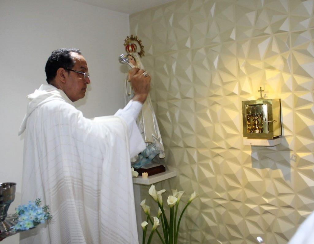 Arzobispo de Barranquilla hace bendición y consagración del oratorio de la Universidad Metropolitana